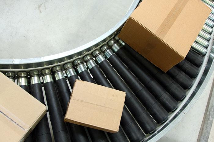 carton conveyor system - e-commerce warehouse