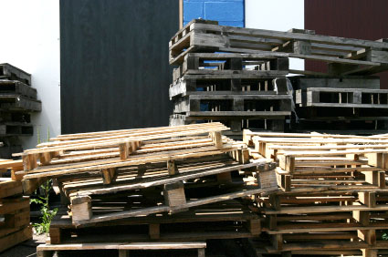 poorly stacked pallets
