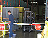 Sistemas de puertas automáticas con puertas para montacargas