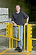 Puertas oscilantes para peatones