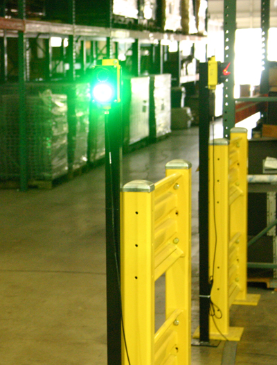 Priority (green light) given to the forklift lane