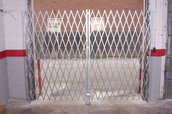 Closed double gates, small