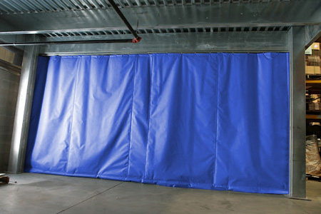 Thermal climate control curtain creates a flexible barrier to separate temperature zones