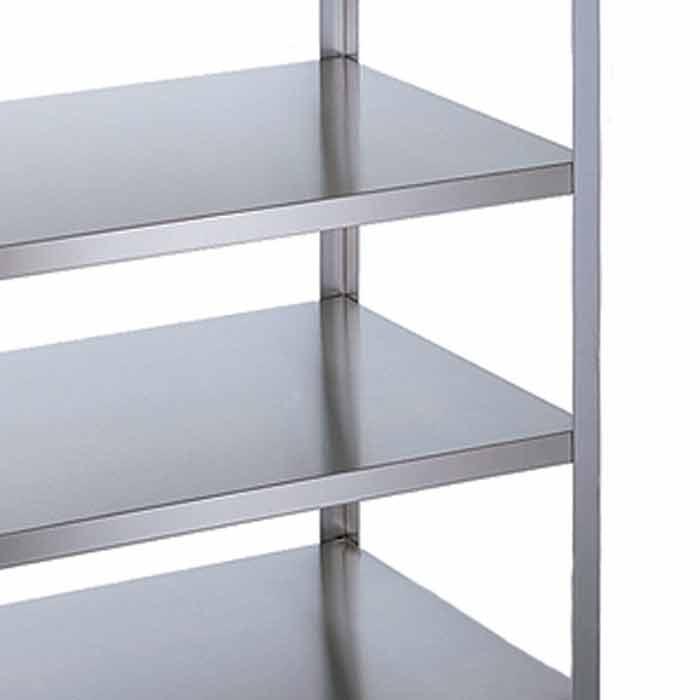 Flush shelves on shelf cart