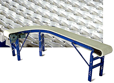 Raised plastic chain conveyor