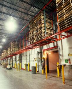 Empty Pallet Storage Racks Dock Door Overhead Racking