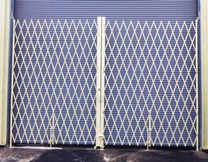 Double width accordion gates