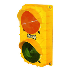 Incandescent Dock Traffic Light, Yellow Poly Housing - 115V