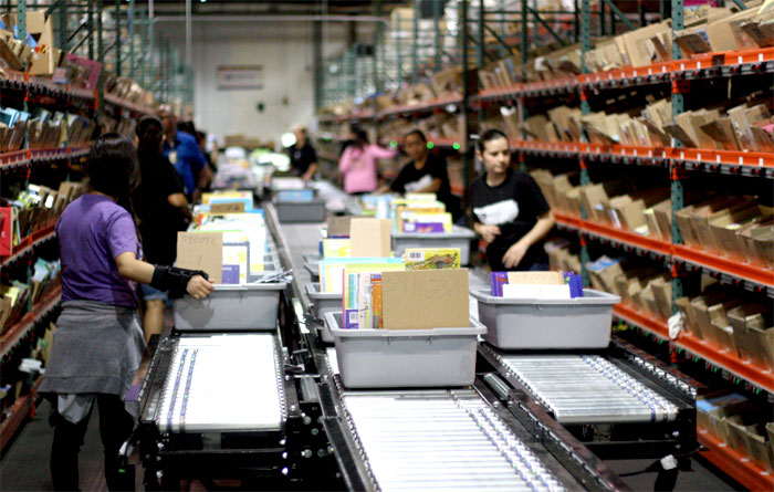 Picking lane for books order fulfillment